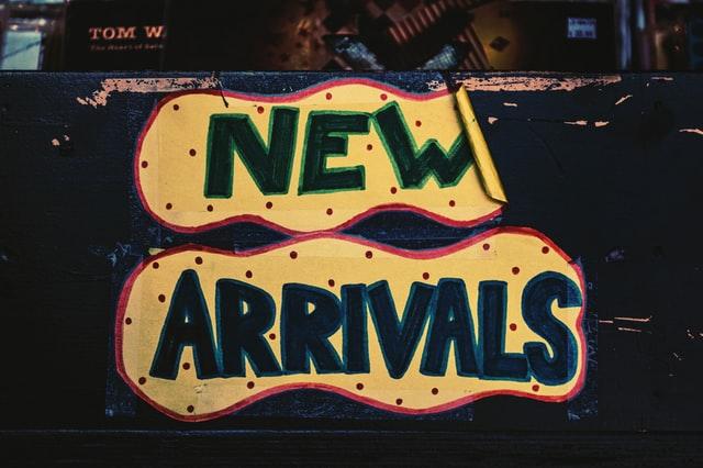 New Arrivals Schild